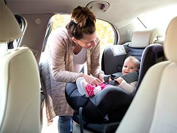 Bebê conforto com base: principais vantagens do modelo